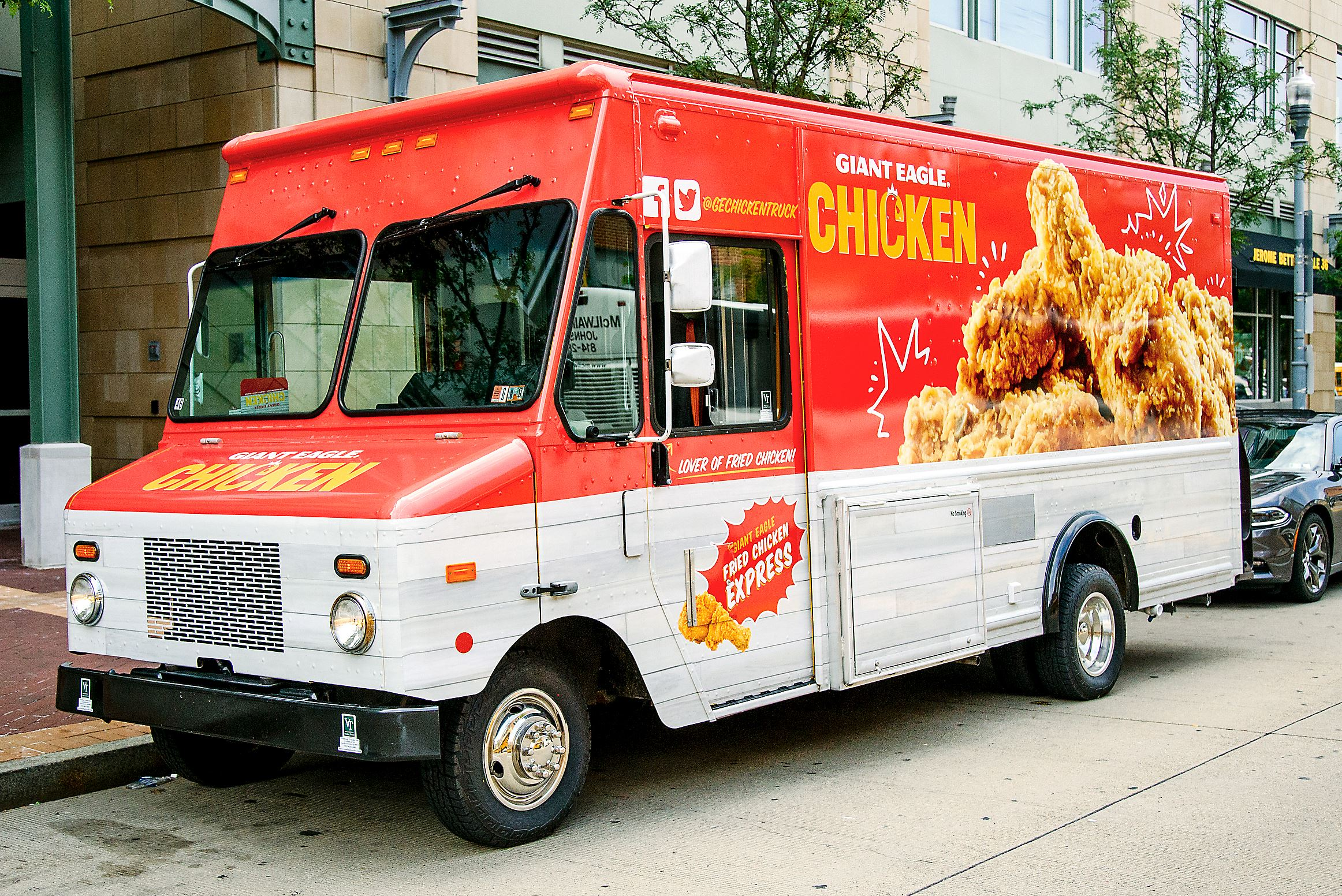 food truck Everything you need to know before booking that food truck for your wedding reception.