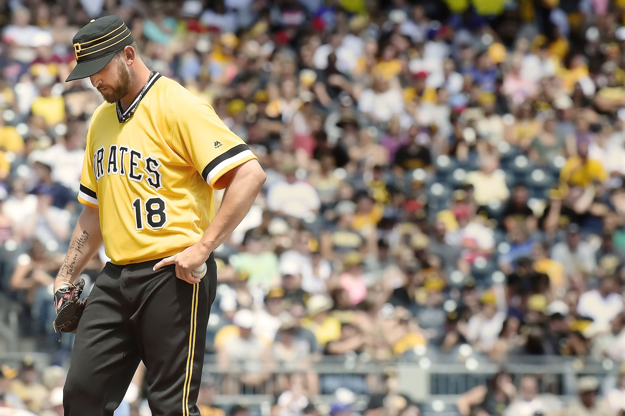 Pirates deal Niese for Bastardo, acquire Nova from Yankees