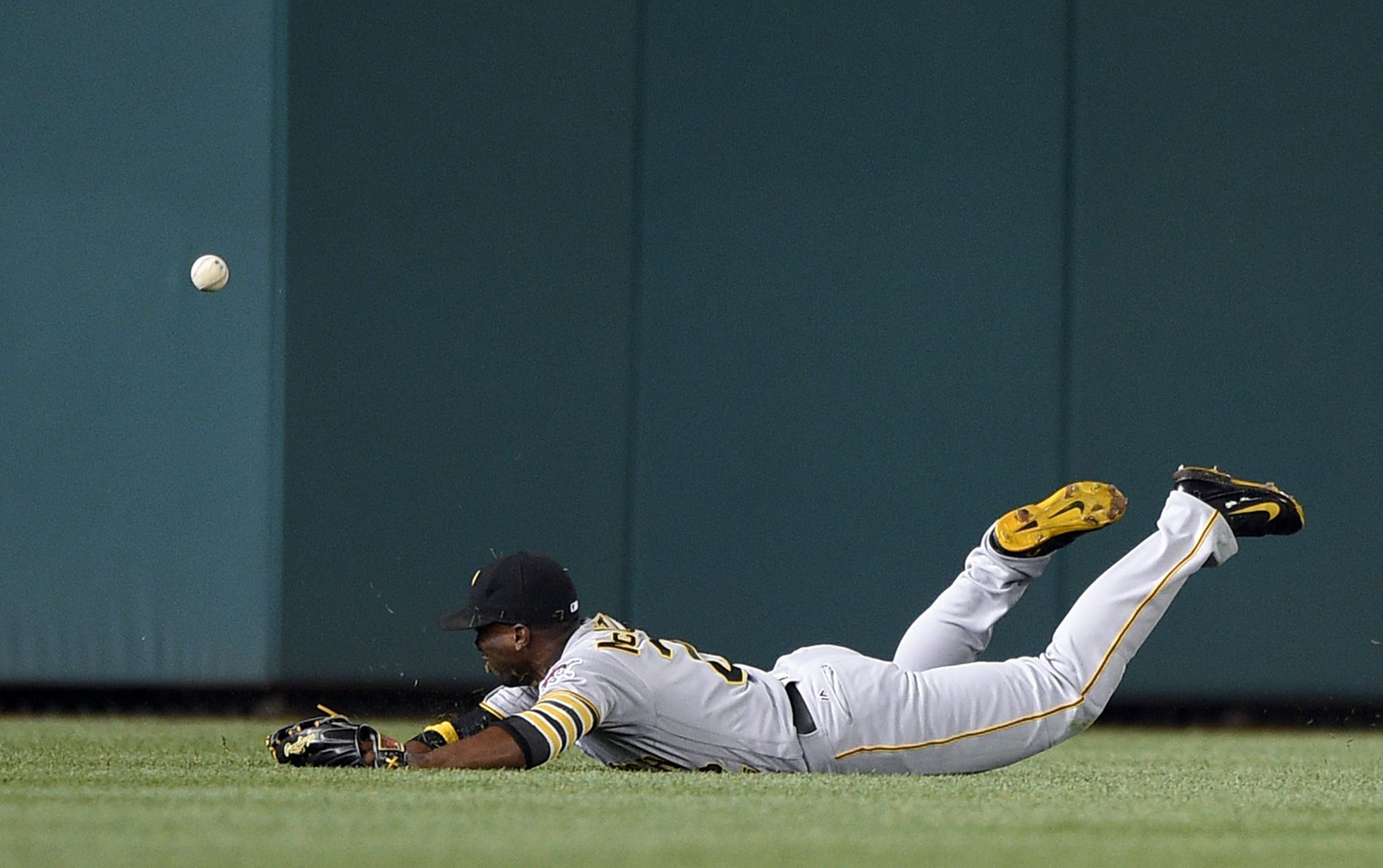 Pirates lose second in a row, 6-0, to Nationals