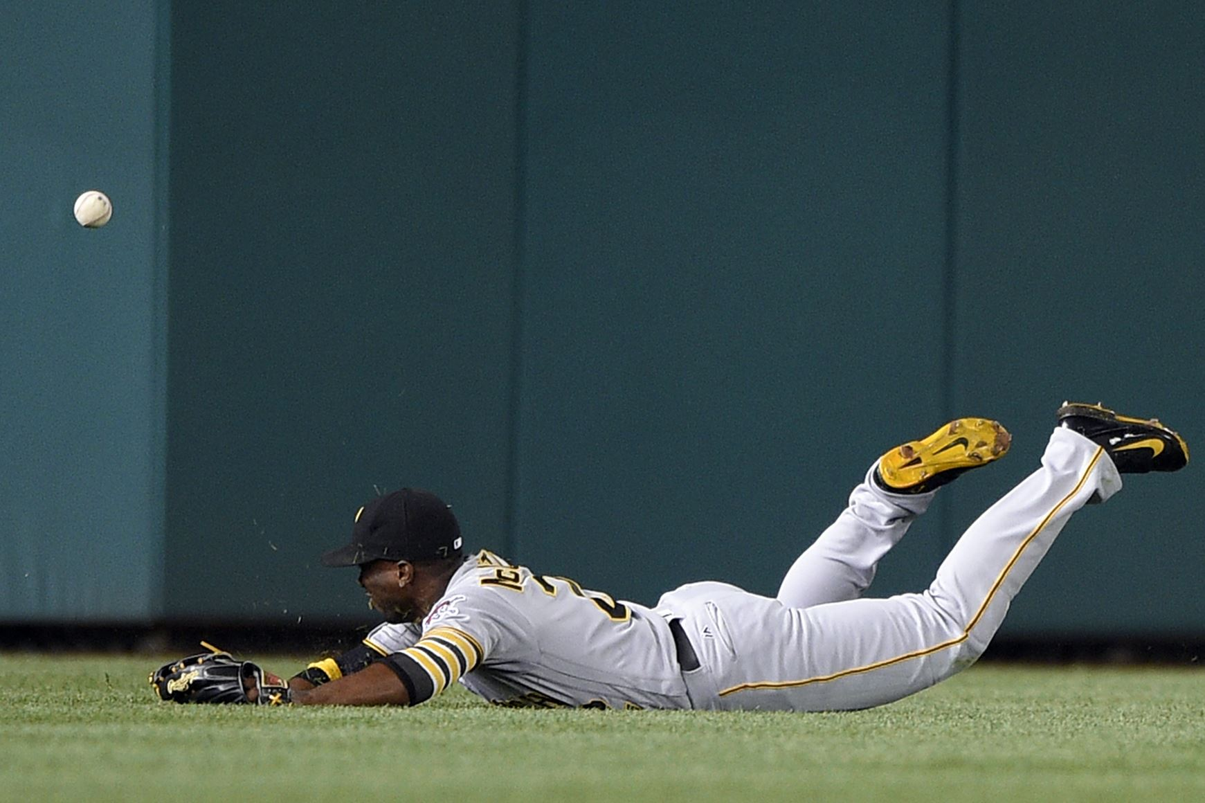 Andrew McCutchen returns to Pirates lineup: 'No time to hit the panic button. I'm still me.'