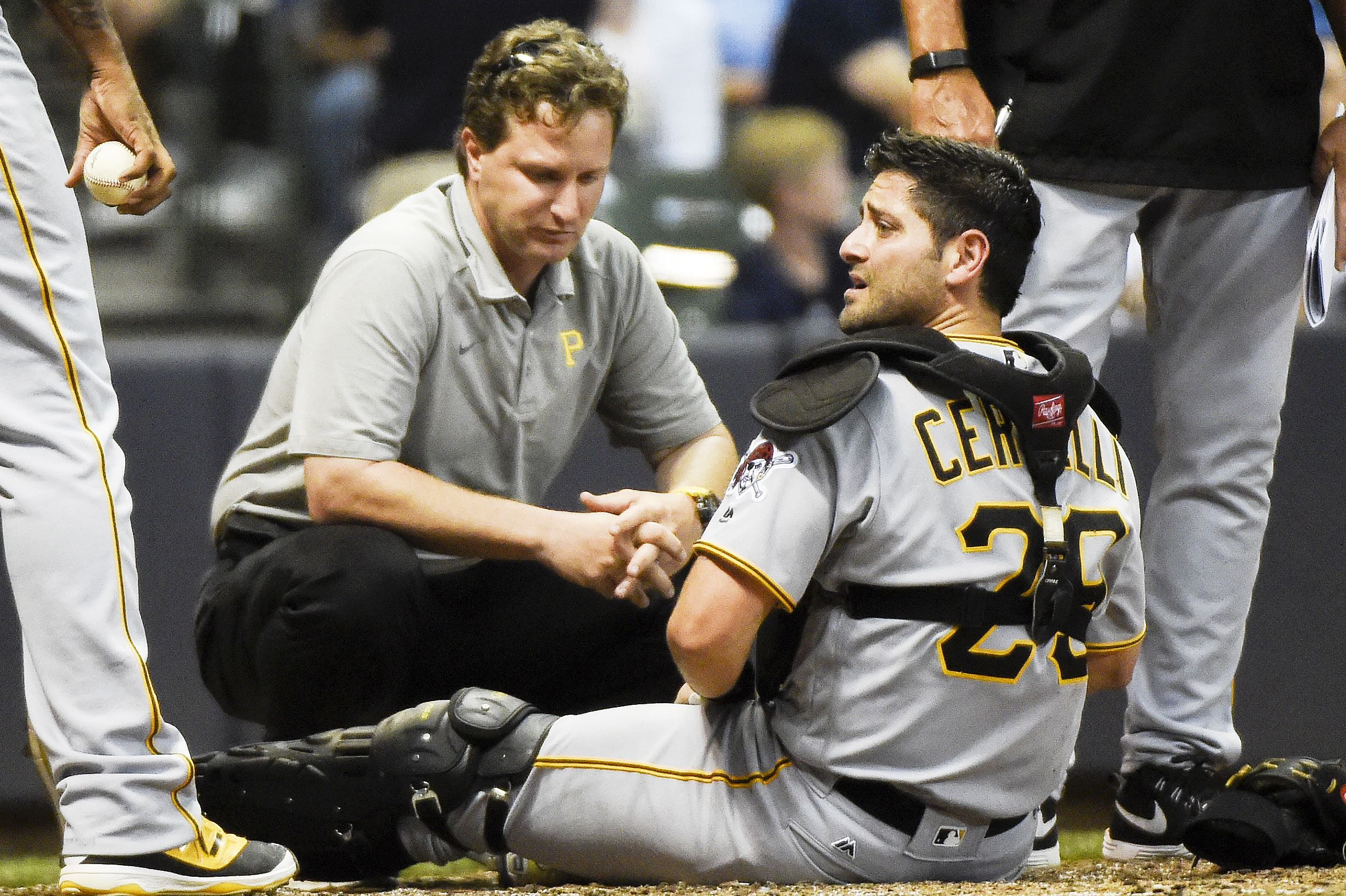 Pirates' Cervelli did not suffer broken bone in foot against Brewers