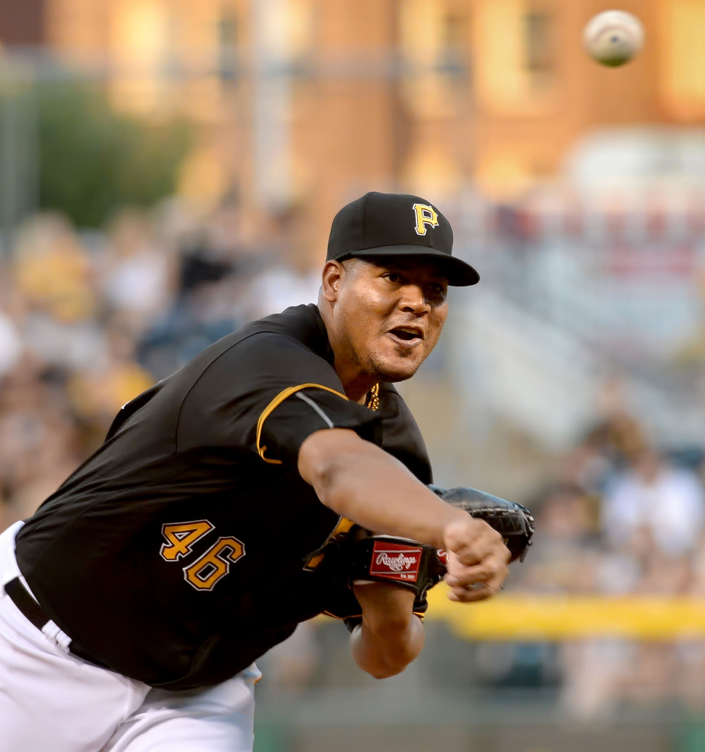 Trade deadline acquisition Ivan Nova throws seven strong innings to win Pirates debut, 5-3