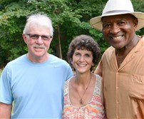 From left, Ted and Cindy Yates with former Steeler Robin Cole.