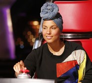 "Singer Alicia Keys appeared on the season premiere of NBC's ""The Voice"" earlier this month wearing no makeup."