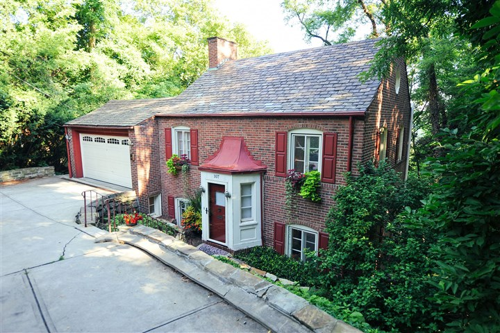 WEB bh forest hills 01 An original slate roof is just one of the charming details in this Forest Hills Colonial located at 107 Fairfax Road in Forest Hills.