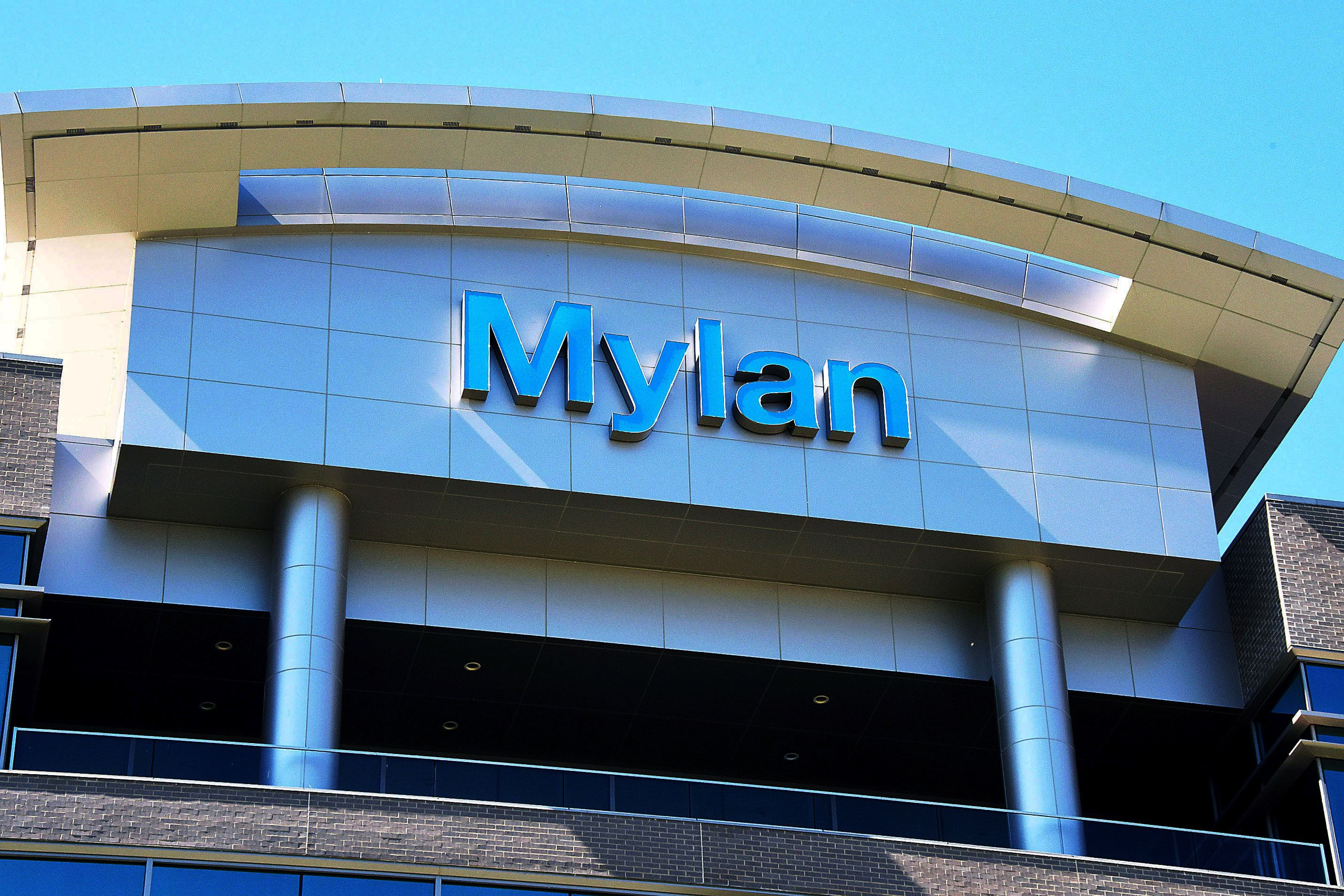 What Wall Street is saying about Mylan NV (NASDAQ:MYL)