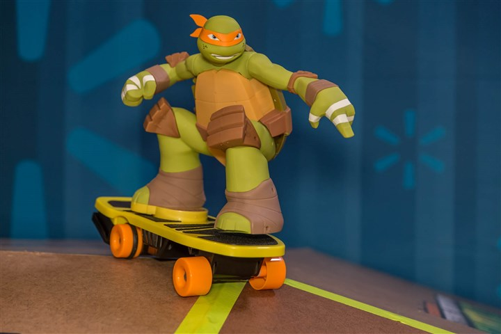 TMNT Remote Control Skateboarding Mikey2.jpg Teenage Mutant Ninja Turtles Remote Control Skateboarding Mikey is one of Walmart's holiday toy offerings.