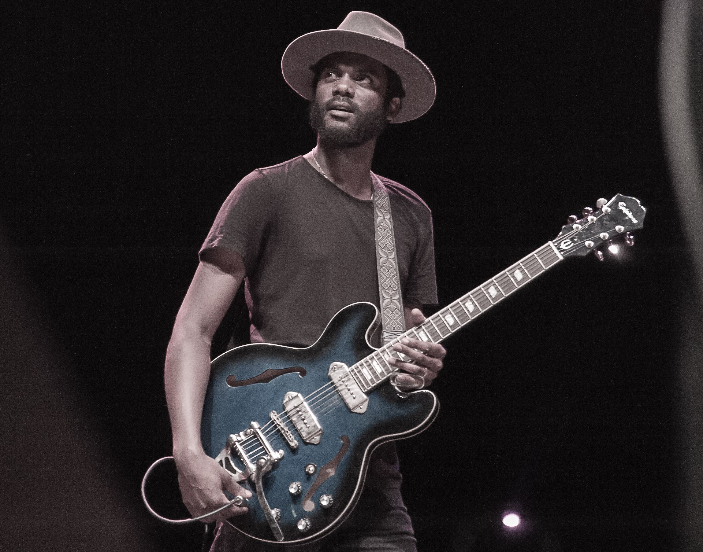 gary clark jr 39 s guitar chops on full display at packed stage ae pittsburgh post gazette. Black Bedroom Furniture Sets. Home Design Ideas