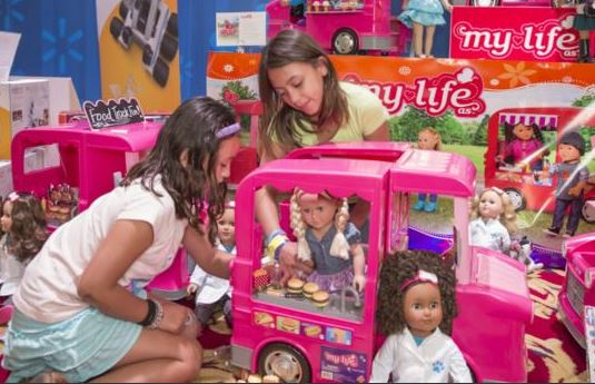 Walmart Toys For Christmas : It looks like labor day but wal mart is ready for