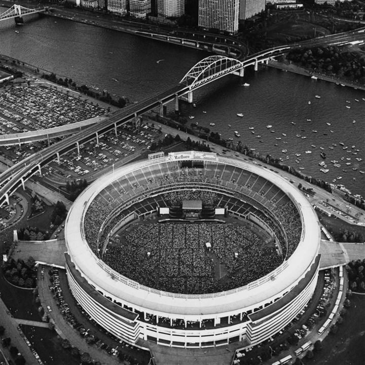Tour Of Three Rivers Stadium