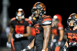 Beaver Falls senior defensive end' Donovan Jeter has made a verbal commitment to play at Notre Dame.