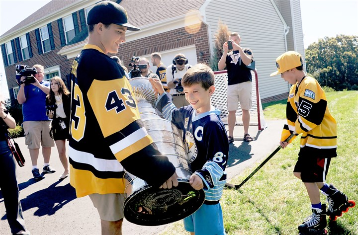 Penguins deliver season tickets with an added surprise