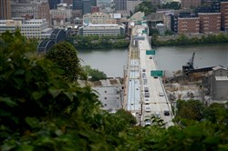 The inbound Liberty Bridge and Tunnel closure will begin at 8 tonight.