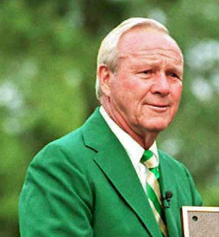 FILES-GOLF-USPGA-PALMER-1 Arnold Palmer stands by a plaque that was installed on the course at Augusta National Golf Club to mark the anniversary of Palmer's 40th Master's Tournament in 1995.