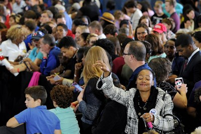 Oakland crowd gathers for Michelle Obama speech on behalf of Hillary Clinton
