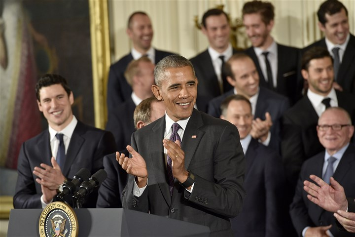20161006mfwhitehousesports12 President Obama congratulates the Penguins on their Stanley Cup championship today during a ceremony at the White House.