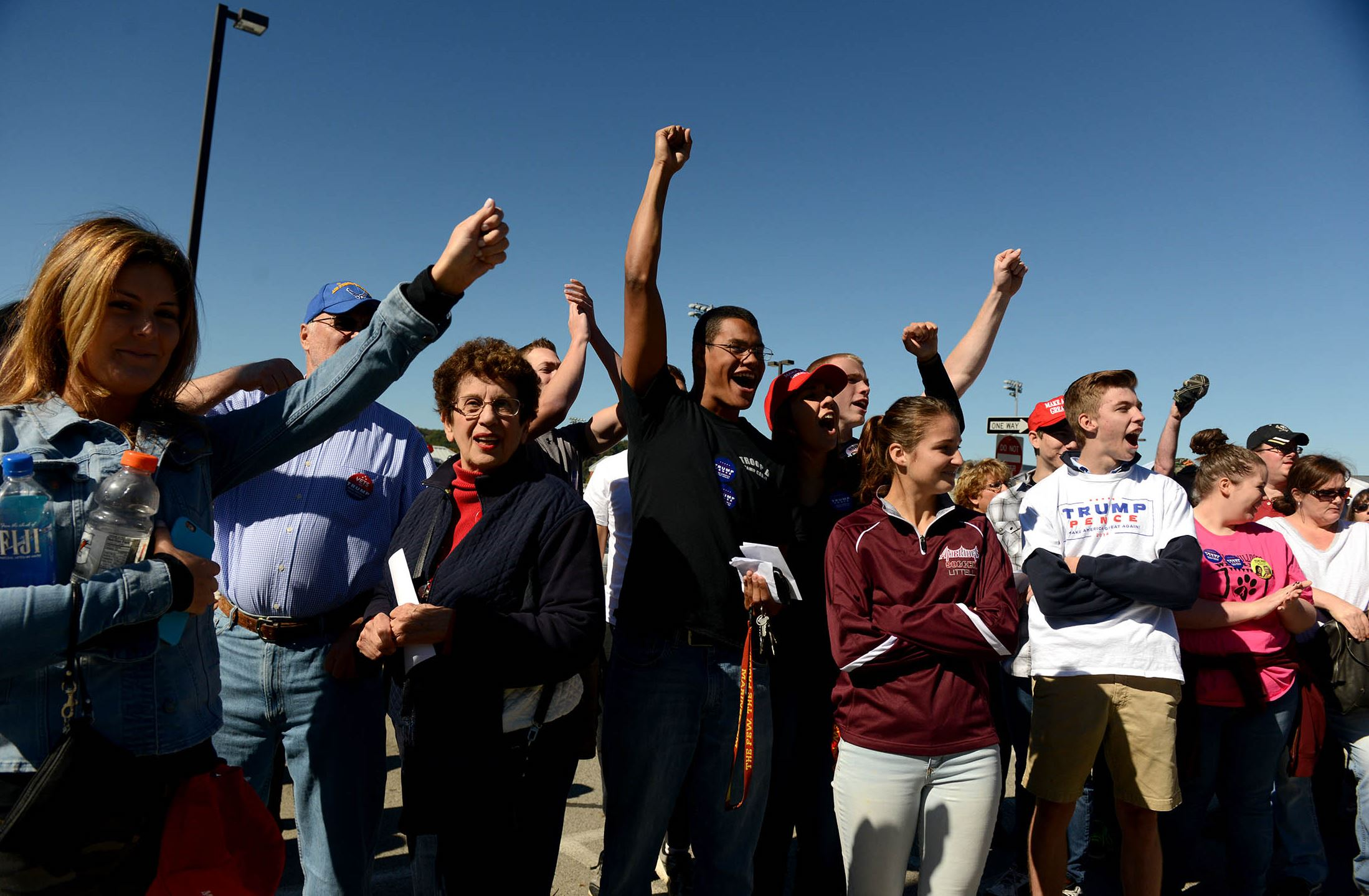 Trump supporters yell at pro-Clinton crowd at Ambridge High School Donald Trump supporters yell at a group of pro-Hillary Clinton protesters.