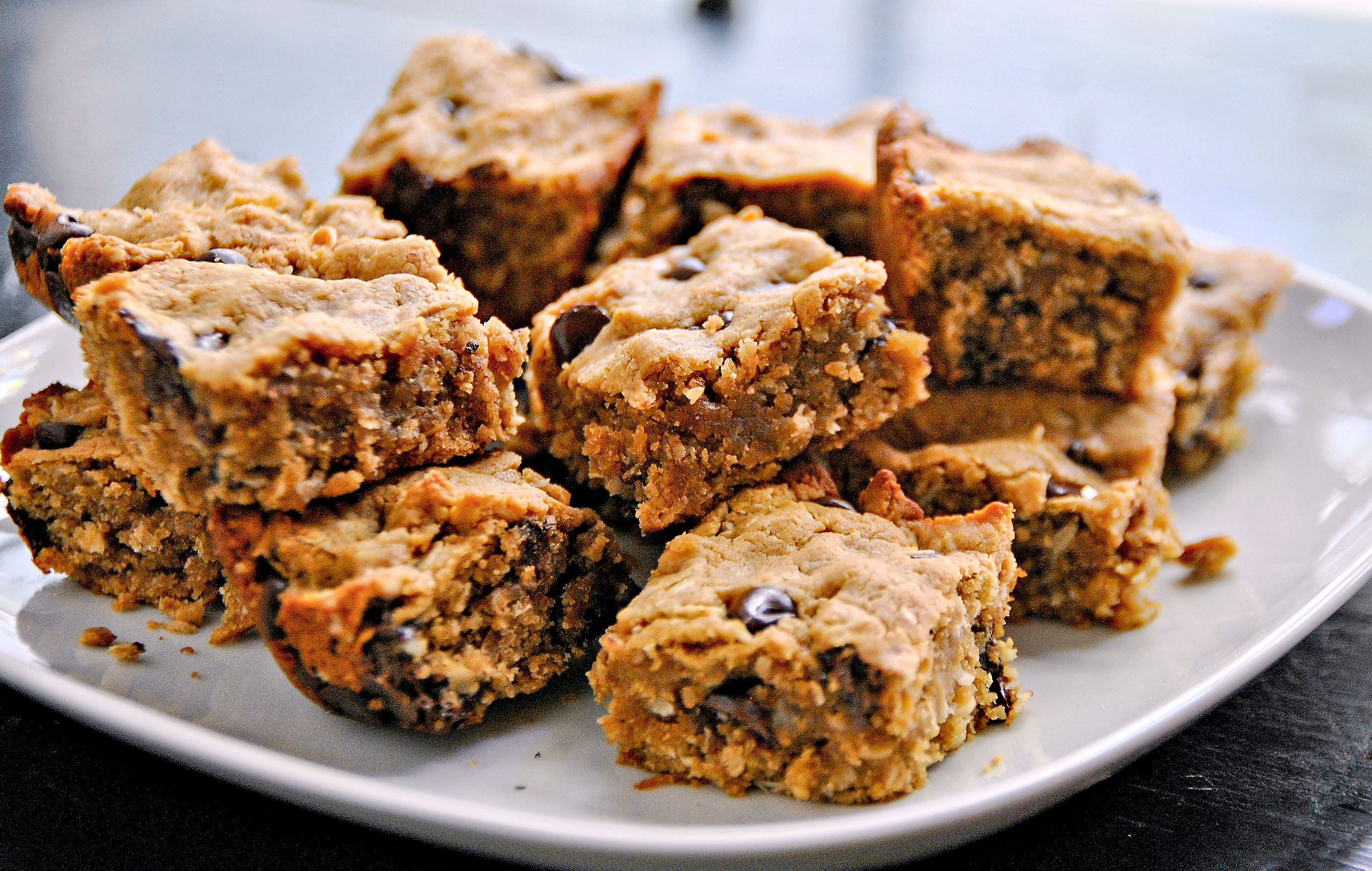 One good recipe: Peanut Butter Chocolate Chip Oatmeal Bars ...