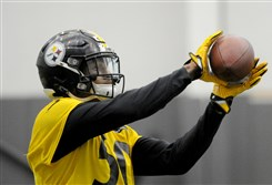 Steelers linebacker Ryan Shazier practices at the UPMC Rooney Sports Complex today.
