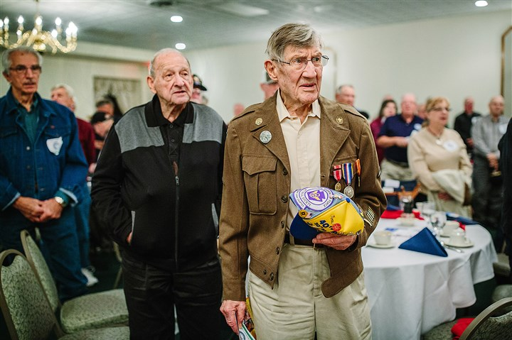 "20161025arVeteransBfast01 Army Air Corps veteran Hartley Baird of Bethel Park sings ""God Bless America"" during a Veterans Breakfast Club event at Salvator's Events and Catering in Baldwin."