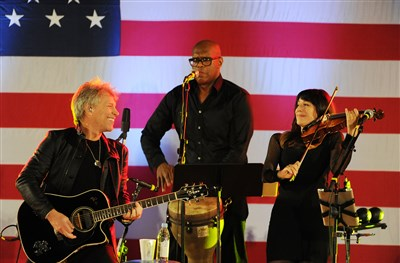 Bon Jovi, Bill Clinton stop in Pittsburgh for 'Get Out The Vote' concert