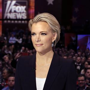 In this Jan. 28, 2016 photo, Moderator Megyn Kelly waits for the start of the Republican presidential primary debate in Des Moines, Iowa.
