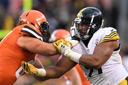 Stephon Tuitt applies pressure against the Browns Nov. 20 at FirstEnergy Stadium in Cleveland.
