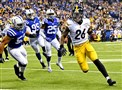Pittsburgh Steelers LeVeon Bell scores against the Colts at Lucas Oil Stadium Indianapolis, Indiana, Nov. 24, 2016.