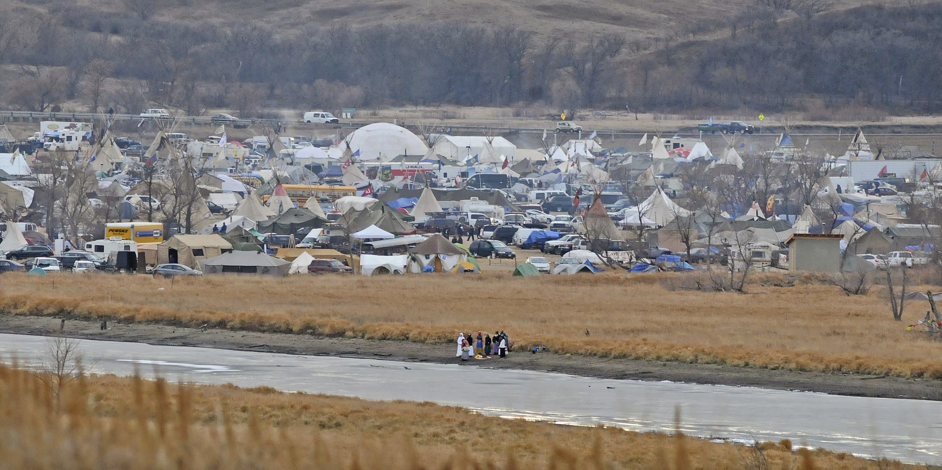 Anti-pipeline protesters told to leave North Dakota camp by December 5