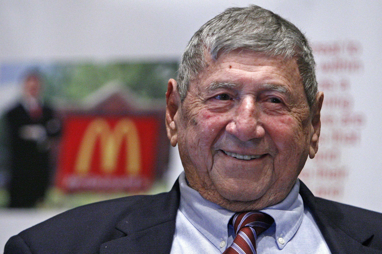 """Obit Big Mac Creator In this Aug. 21, 2008, file photo, Big Mac creator Michael """"Jim"""" Delligatti attends his 90th birthday party in Canonsburg, Washington County."""