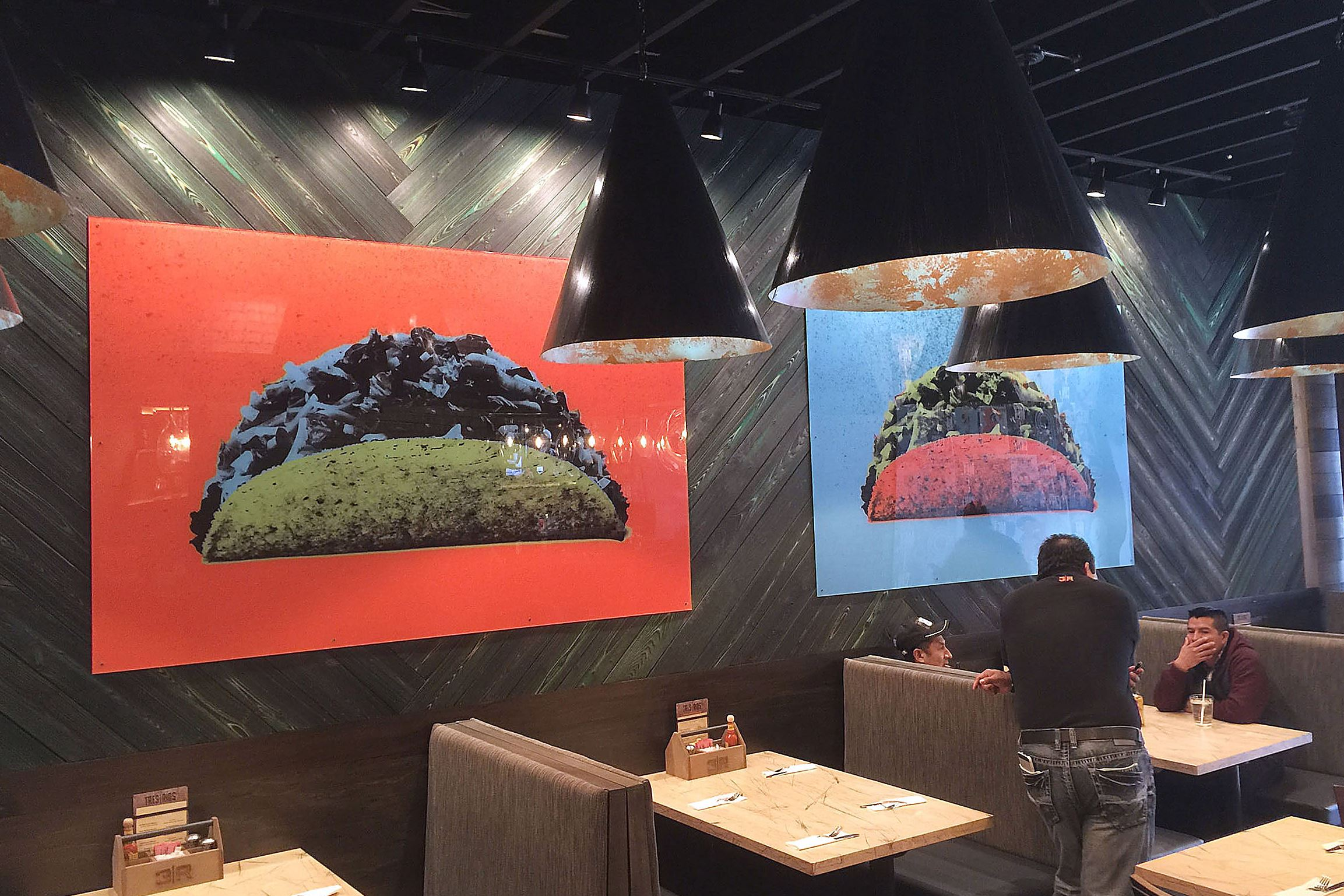 tres rios gigler The interior of newly-opened Tres Rios on the South Side includes a triptych of Warhol-esque taco prints.