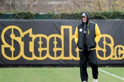 Steelers defensive coordinator Keith Butler oversees the practice at UPMC Rooney Sports Complex in the South Side on Thursday. Butler has spent the season re-inventing his defense because of injuries.