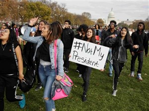 Students protest the election of President-elect Donald Trump during a march in Washington on Nov. 15. A public interest group urged U.S. officials on Wednesday to free up Washington landmarks for thousands of people planning protests around Trump's Jan. 20 inauguration.