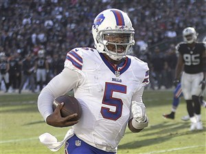 Quarterback Tyrod Taylor and the Bills helped the Steelers get into the playoffs last season.