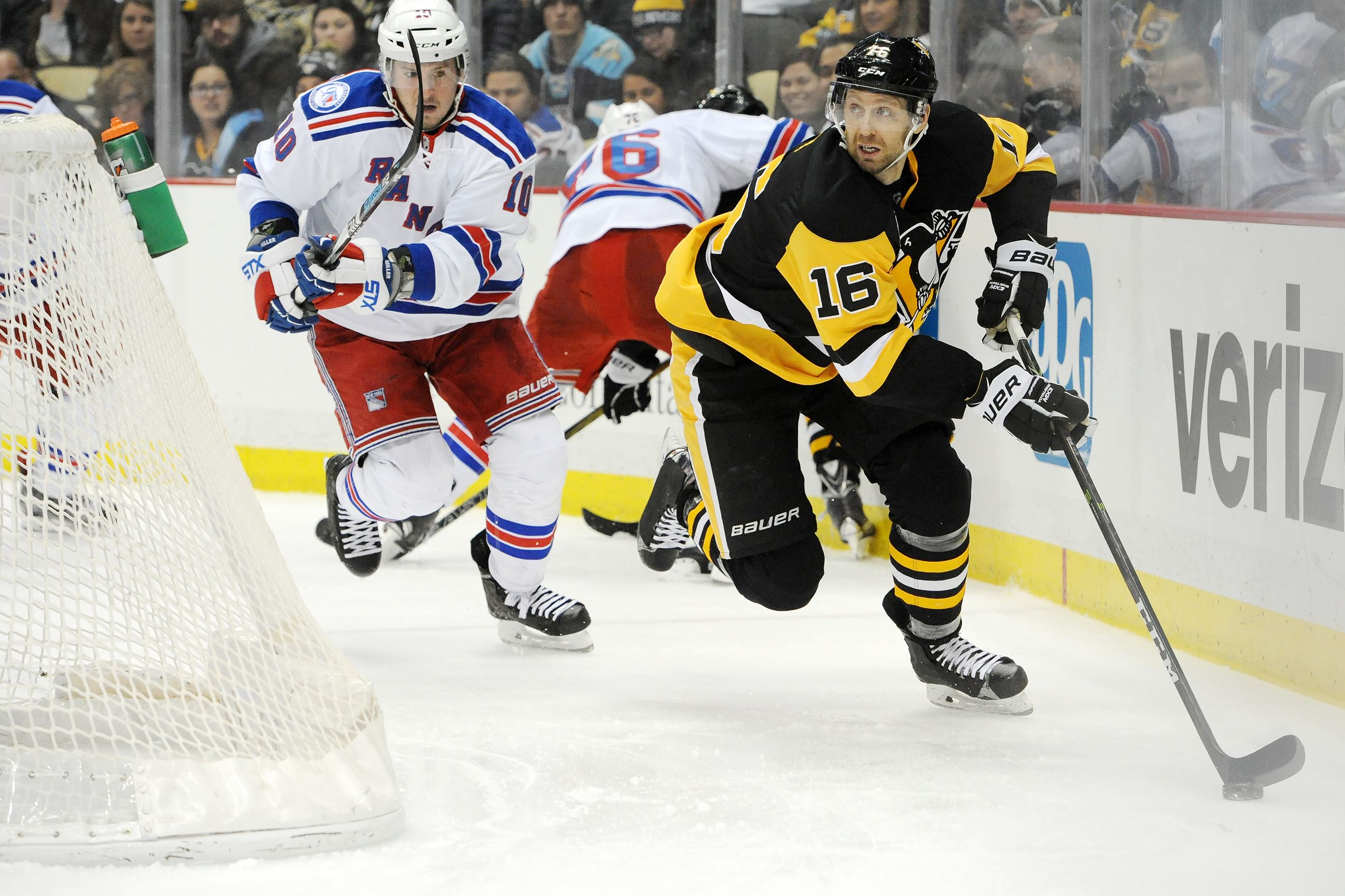 Penguins center Eric Fehr clears waivers