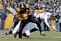 Xavier Grimble pulls in a pass for a touchdown Dec. 25 against the Ravens at Heinz Field.