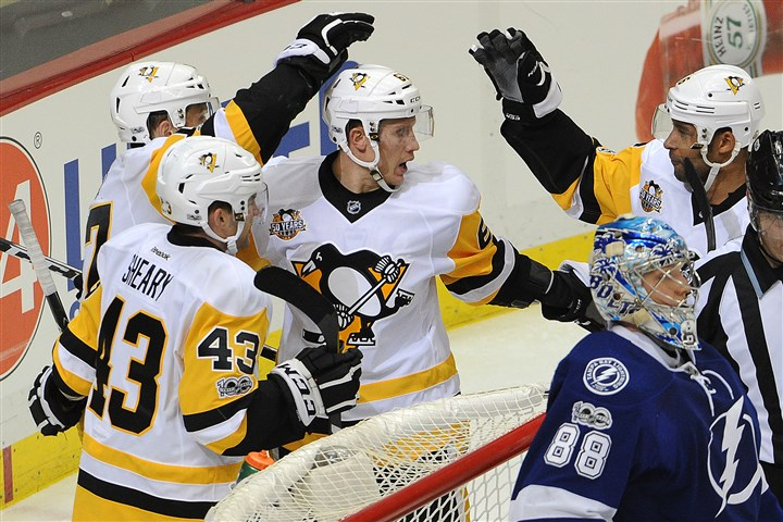 20170108lrpenstampa03-2 The Penguins beat Tampa Bay, 6-2, in their only game of 2017 so far.