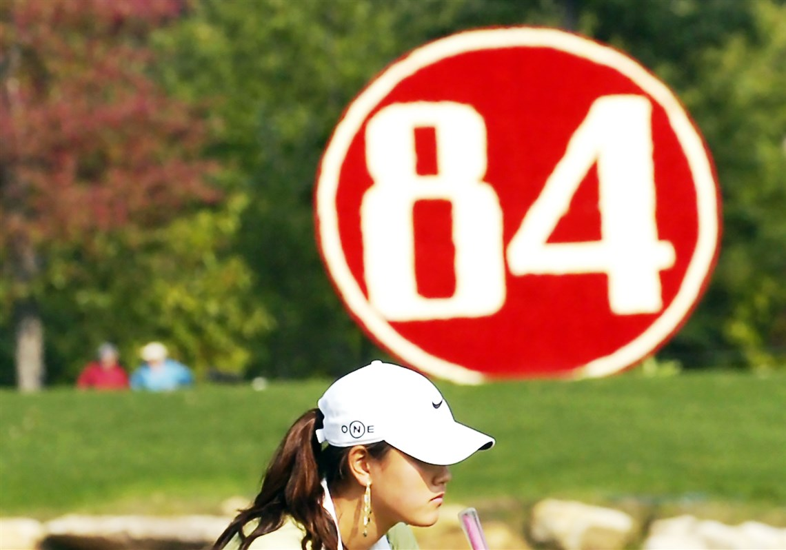 Michelle Wie Eyes Up Her Putt On The 17th Hole In 2006 At 84 Lumber