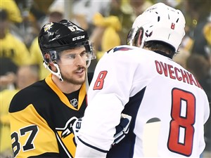 Sidney Crosby and Alex Ovechkin shake hands after last year's second-round series between the Penguins and Capitals.
