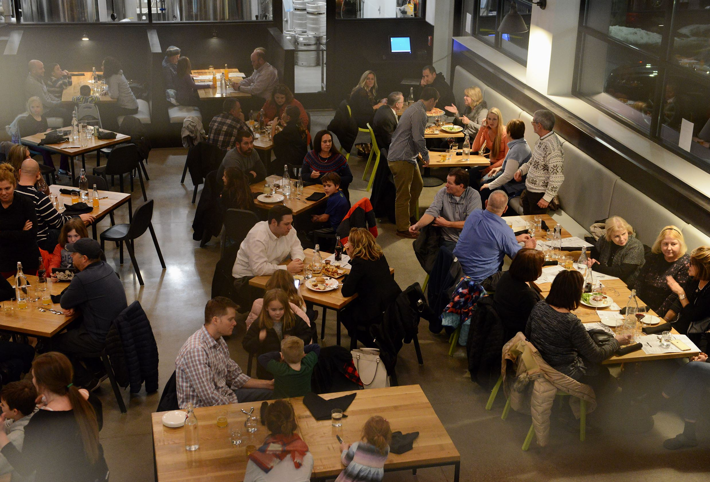 20170110rldMindful01 Mindful Brewing Company, a new brewery, restaurant and bottleshop combo in Castle Shannon.