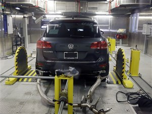 A Volkswagen diesel vehicle is tested in the Environmental Protection Agency's cold temperature test facility in Ann Arbor, Mich., in 2015.