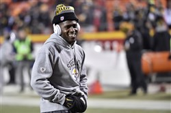 Steelers wide receiver Antonio Brown apologized to his teammates and coach Mike Tomlin.