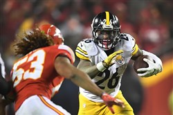 Le'Veon Bell will play under the franchise tag if a long-term deal is struck by 4 p.m. July 17.