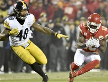 Chiefs receiver Tyreek Hill (10) was not a factor on special teams Sunday against the Steelers at Arrowhead Stadium in Kansas City, Mo.
