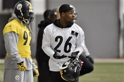 Steelers linebacker James Harrison and running back Le'Veon Bell returned to practice Friday on the South Side.