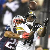 Sammie Coates is unable to pull in a pass in the first quarter. Pittsburgh Steelers against the Patriots during the AFC Championship at Gillette Stadium.