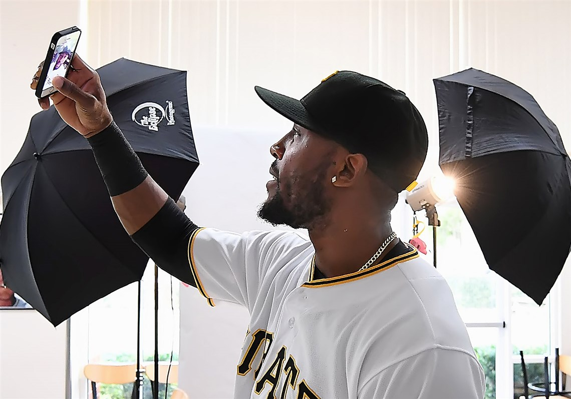 Starling marte photos photos cincinnati reds v pittsburgh pirates - Pirates Outfielder Starling Marte Takes A Selfie During Photo Day Feb 19 At Pirate City