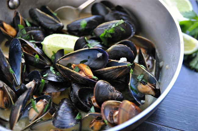 Coconut and Curry Mussels