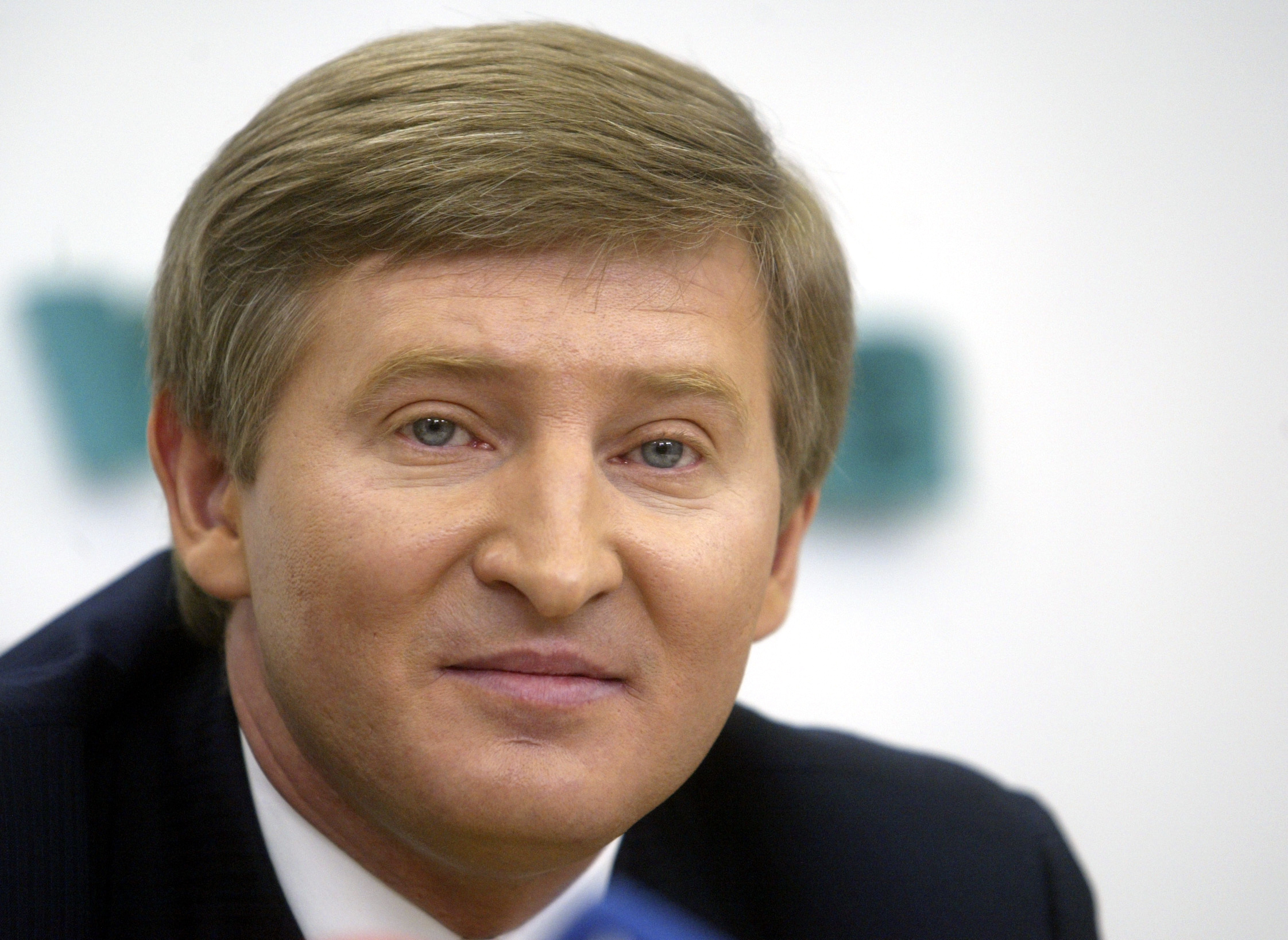 Ukraine-3 FILE - In this March 30, 2006, file photo, Rinat Akhmetov, an eastern Ukrainian steel and coal magnate, speaks to the media in Kiev, Ukraine. The charity foundation run by billionaire Akhmetov said in a statement on Wednesday, March 1, 2017, that its work in the region has been paralyzed after rebels blocked access to Akhmetov's Shakhtar FC arena in the rebel capital Donetsk, which hosted the 2012 European football championships and now serves as a warehouse for the relief effort. (AP Photo/Efrem Lukatsky, File)