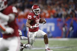 Oklahoma running back Joe Mixon was not invited to this week's NFL combine.